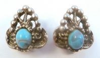 Vintage Jewelcraft Large Faux Turquoise Mexican Style Clip On Earrings.